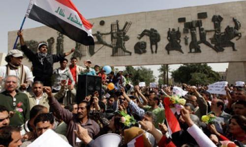 """مقرب من الصدر يدعو اهالي بغداد الى التظاهر  """"فورا"""" في ساحة التحرير"""