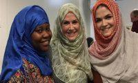 تضامنا مع المسلمات ..كنديات يقررن ارتداء الحجاب