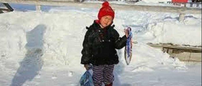 طفلة روسية تجازف بحياتها في البرد القارس لإسعاف جدتها