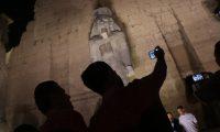 مصر تكشف النقاب عن تمثال ضخم لرمسيس الثاني