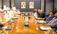 العبادي ونظيره الكويتي يبحثان تعزيز العلاقات بين البلدين