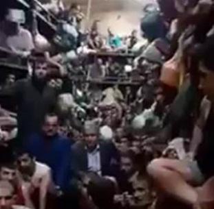 حقول دواجن بشرية ..صورة لسجن مركز شرطة في البصرة!
