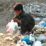 """إلى متى أطفال العراق في وسط """"المزابل""""؟"""