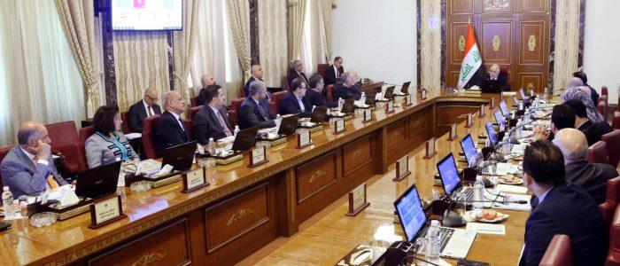 العبادي يؤكد على خفض النفقات التشغيلية في موازنة 2018