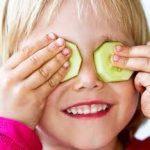 علاجات منزلية لنضارة العينين