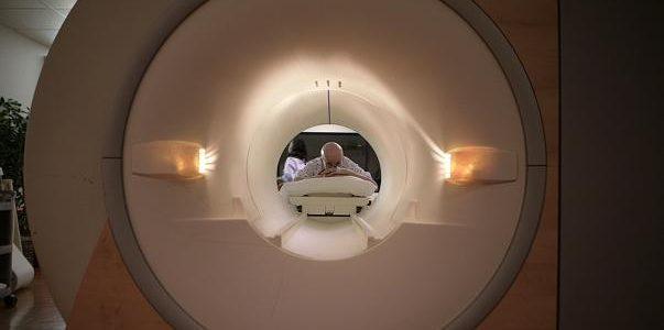 مصرع شاب بسبب جهاز الرنين المغناطيسي