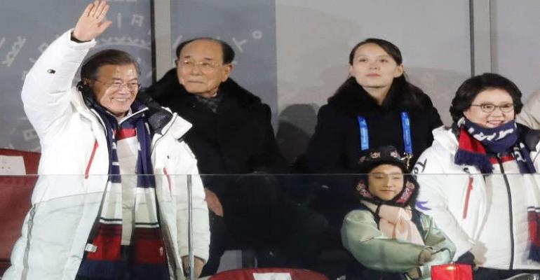 لأول مرة..لقاء يجمع بين قادة الكوريتين