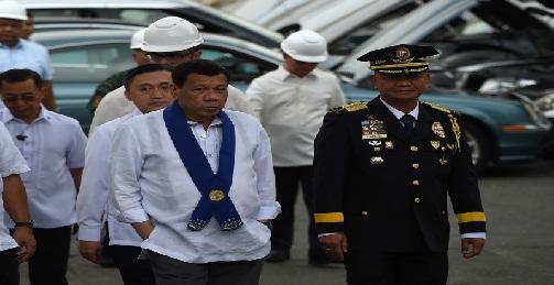تدمير السيارات الفارهة ضمن خطة مكافحة الفساد في الفلبين