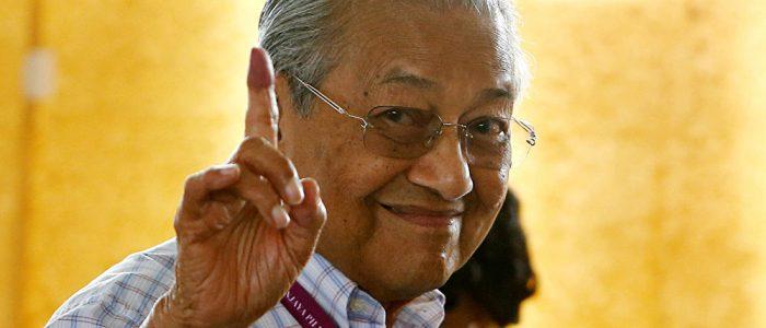 مهاتير محمد:لن أبقى طويلا في حكم ماليزيا