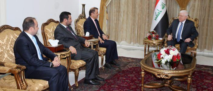 معصوم يلتقي بوفد من 3 أحزاب كردية