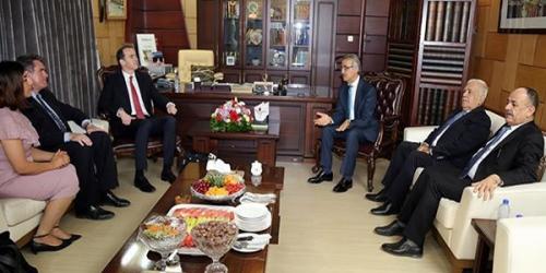 ماكغورك يدعو توحيد الصف الكردي قبل الذهاب إلى بغداد