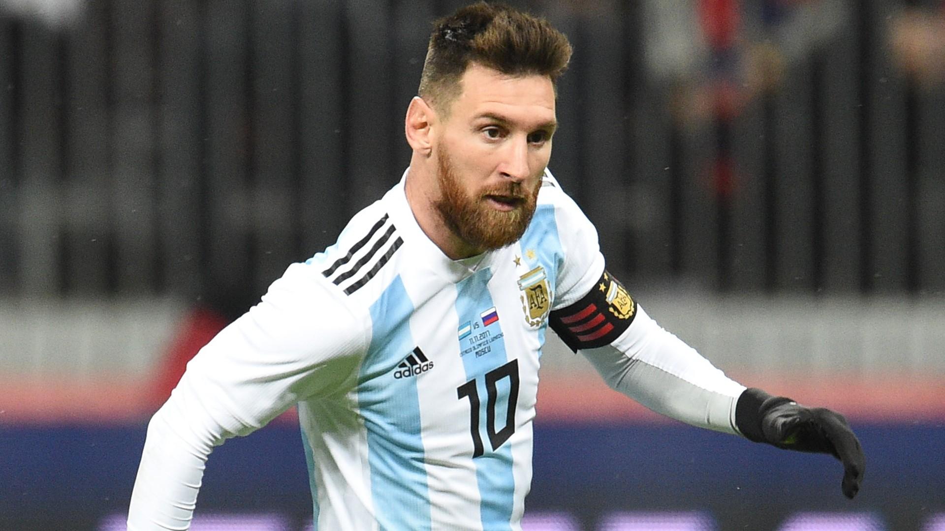 ميسي:أمل برفع كأس العالم