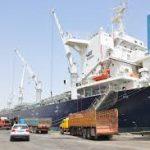 الحمامي:1375 سفينة رست على أرصفة الموانئ العراقية خلال النصف الأول من العام الحالي