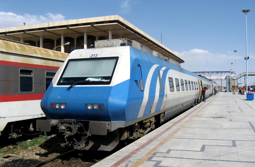 القطار الإيراني سيدخل إلى المحافظات العراقية