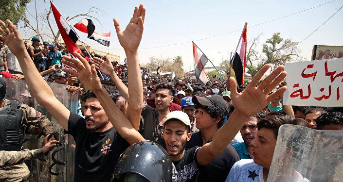 صحيفة:إيران توجه فضائيات أحزاب التحالف الشيعي ومليشياتهم بعدم تغطية تظاهرات العراق