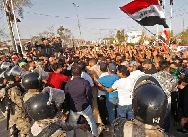 """حملة اعتقالات لمتظاهروا البصرة من قبل """"باسيج"""" الحشد الشعبي"""