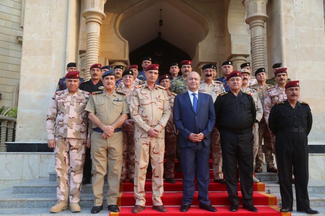 صالح يؤكد على حصر السلاح بيد الدولة