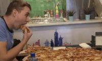 بيتزا مقابل 500 يورو