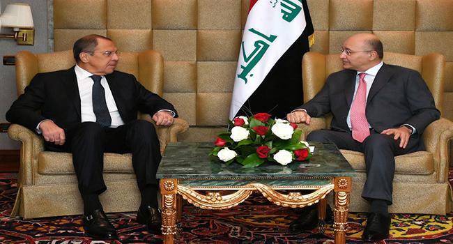 صالح ولافروف يؤكدان على تعزيز التعاون بين بغداد وموسكو
