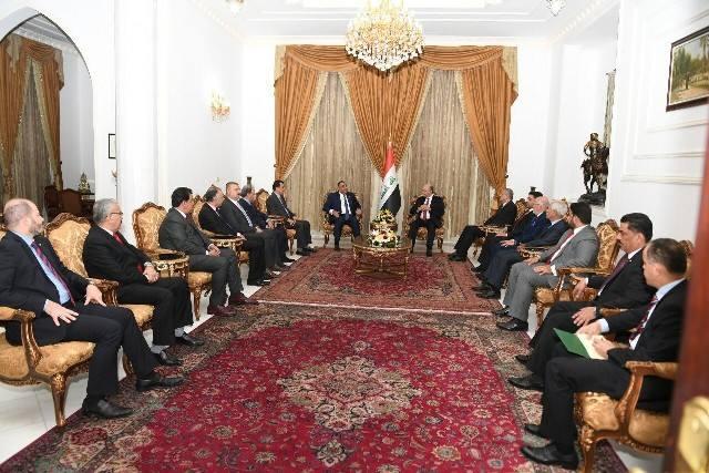 صالح يؤكد على تعزيز الاقتصاد الوطني