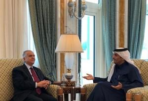 وزير الخارجية العراقي ونظيره القطري يتفقان على تعزيز التعاون بين البلدين