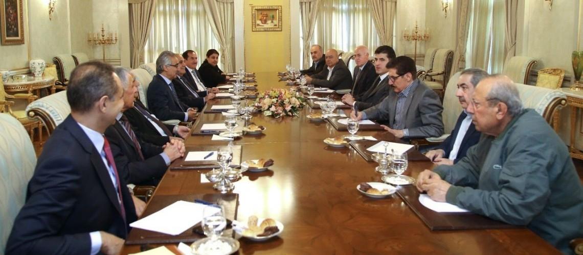 """مصدر كردي:حزب بارزاني لن يتنازل عن وزارات """"الخبزة"""" في حكومة مسرور"""