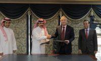 العراق والسعودية يوقعان على مذكرة دعم التجارة بين البلدين