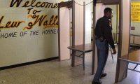"""سجين أميركي يهرب """"سلاحا"""" بطريقة لا تخطر على بال"""