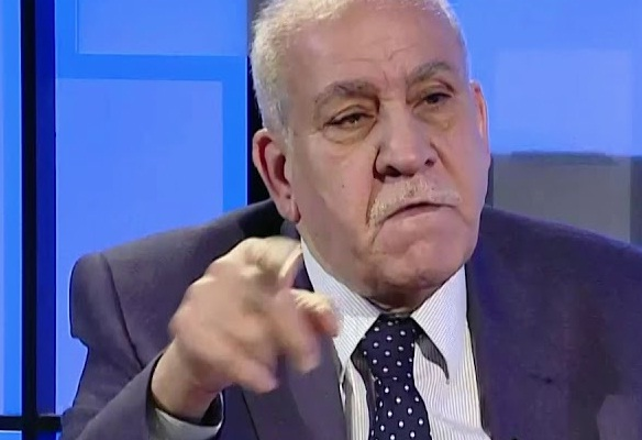 عبد اللطيف يحذر من المضي باتفاقية خور عبدالله والربط السككي مع الكويت