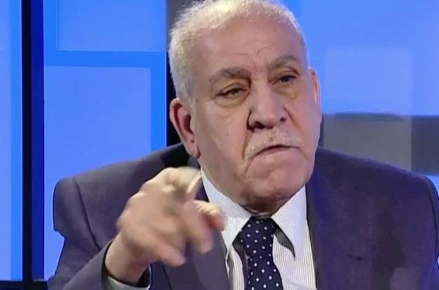 عبد اللطيف:مشاكلنا مع إيران لم تصفر لكي ندافع عنها