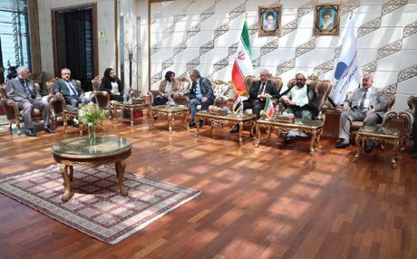 بتوجيه من الحلبوسي ..وفد برلماني يصل طهران لتعزيز العلاقات معها!