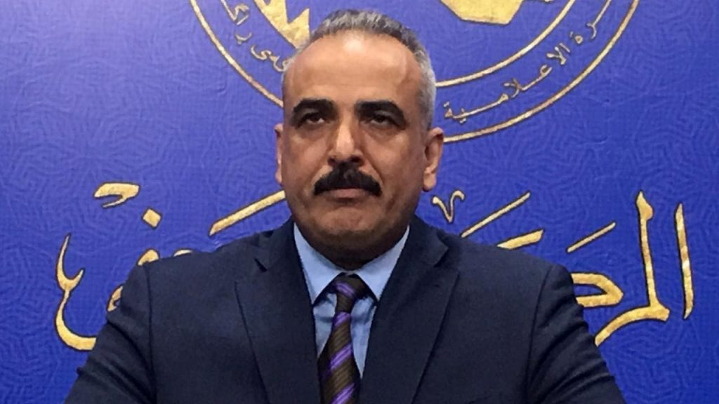 نائب:إيران والكويت تسرقان من العراق 500 ألف برميل نفط يوميا مقابل صمت الخونة