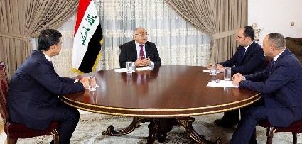 """""""سيادة الرئيس"""" في حواره الخاص مع """"نخبة"""" من الإعلاميين المحْبَطِين.. """"العراق.. كمرة وربيع""""!!؟"""