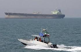 بريطانيا: قوارب إيرانية حاولت احتجاز ناقلتنا النفطية في هرمز