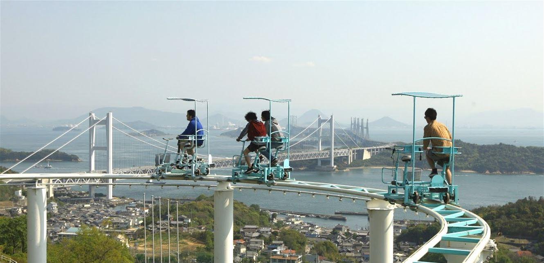 """اليابان..""""دراجة السماء"""" لمن يخاف ركوب القطار الأفعواني"""