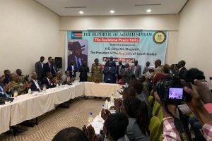 """الحكومة السودانية و""""الحركة الشعبية"""" توقعان في جوبا على خارطة طريق"""