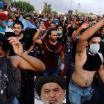العمائم تتدحرج بين اقدام المتظاهرين