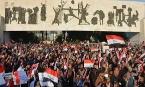سرايا السلام تنتشر في ساحة التحرير بعد ترديد هتافات ضد إيران