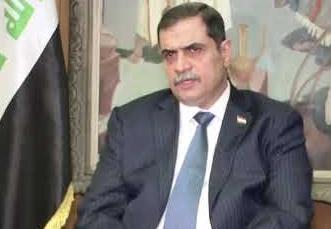 """وزير الدفاع: طرف """"ثالث"""" من يقتل ويخطف المتظاهرين"""
