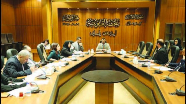 القانونية النيابية:حصر الترشيح لعضوية البرلمان لحاملي الجنسية العراقية