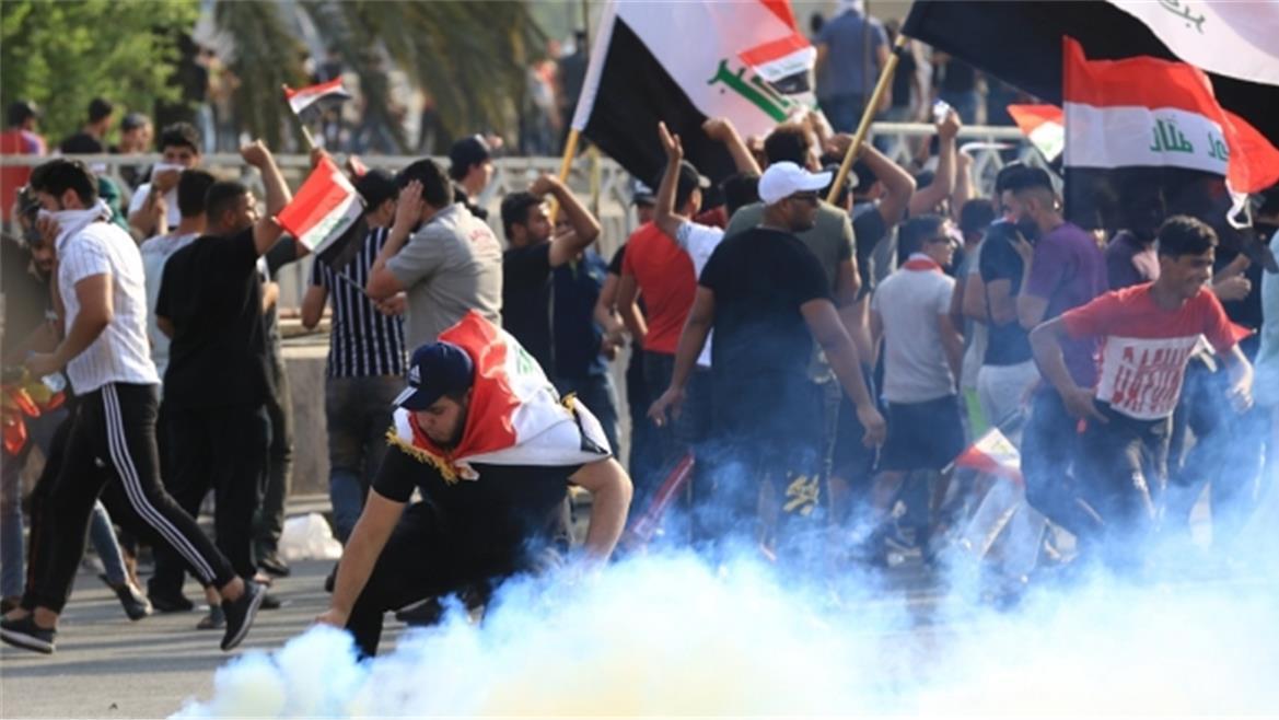 لماذا اصبح العراقي يعيش في دولة بلا وطن فخرج يقول: (اريد وطن)؟