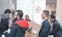 مساعدات طبية من الصليب الأحمر لعلاج المتظاهرين في الناصرية