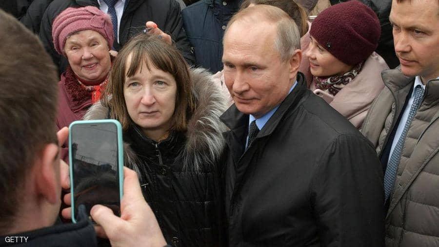 """موقف """"محرج جداً"""" لبوتين بالطريق العام"""