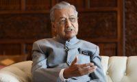 رئيس وزراء ماليزيا يقدم استقالته