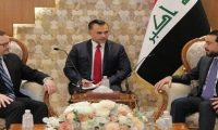 الحلبوسي وشينكر يبحثان الوضع السياسي في العراق