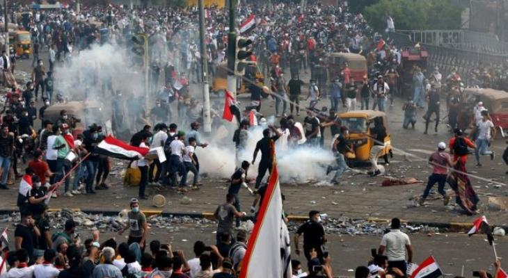 السفارة الأمريكية تدعو الحكومة إلى خطوات جادة لحماية المتظاهرين من الاغتيالات والعنف