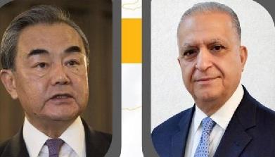 وزير الخارجية يدعو نظيره الصيني لزيارة العراق