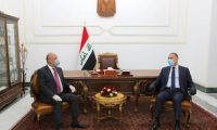 """صالح والكاظمي يؤكدان على سياسة """"متوازنة"""" بين العراق ومحيطه الإقليمي"""