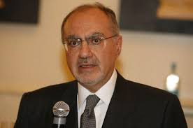 وزير المالية يعلن من الرياض التخلي عن توريد الكهرباء والغاز من إيران