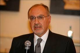 وزير المالية يصرف 400 مليار دينار إلى كردستان دون أستلام دولار واحد منها من إيرادات بيع النفط والمنافذ